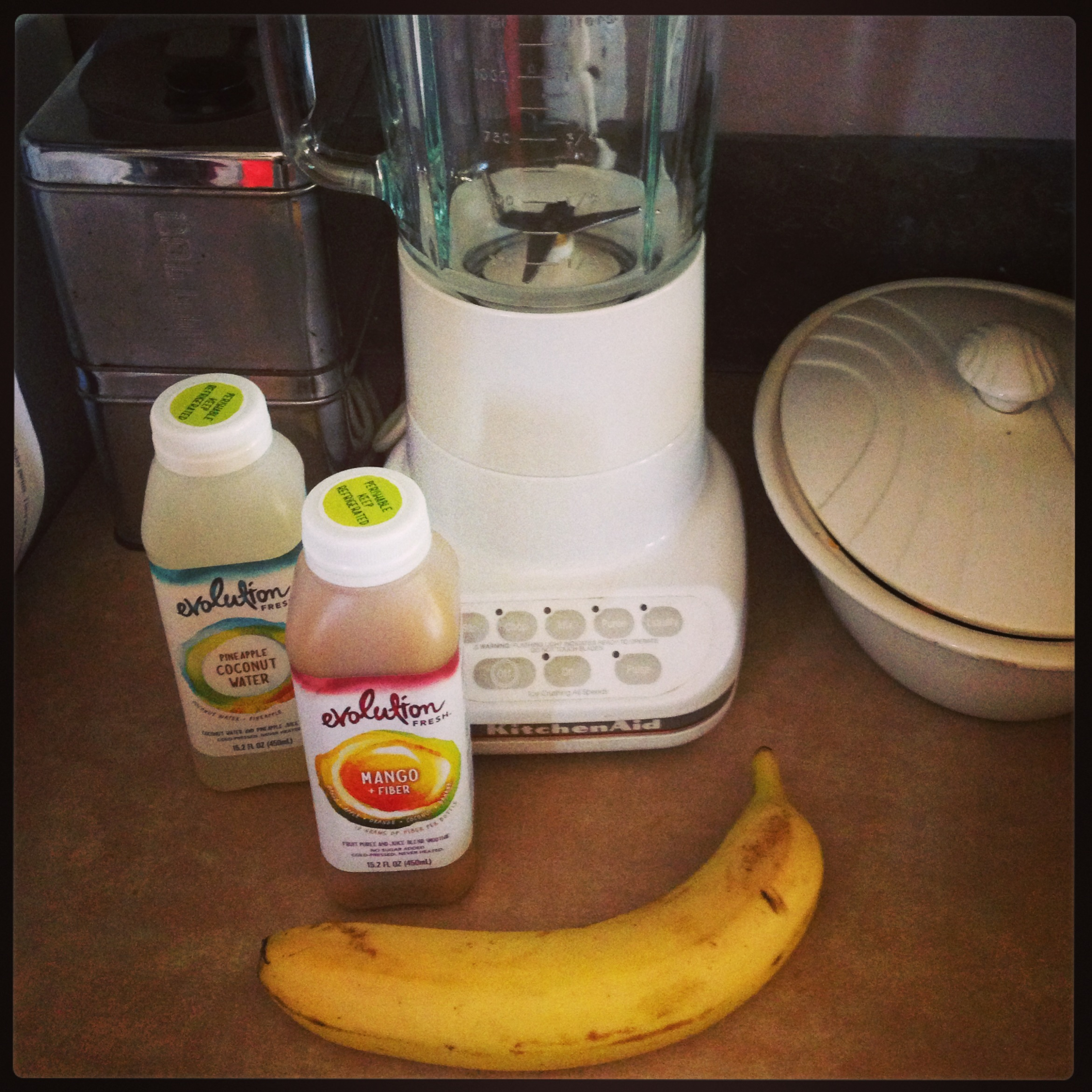 Mango,Coconut, Banana Evolution Fresh smoothie